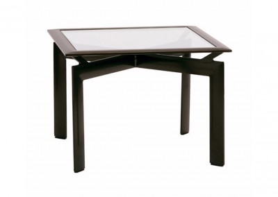 29-in-square-corner-table