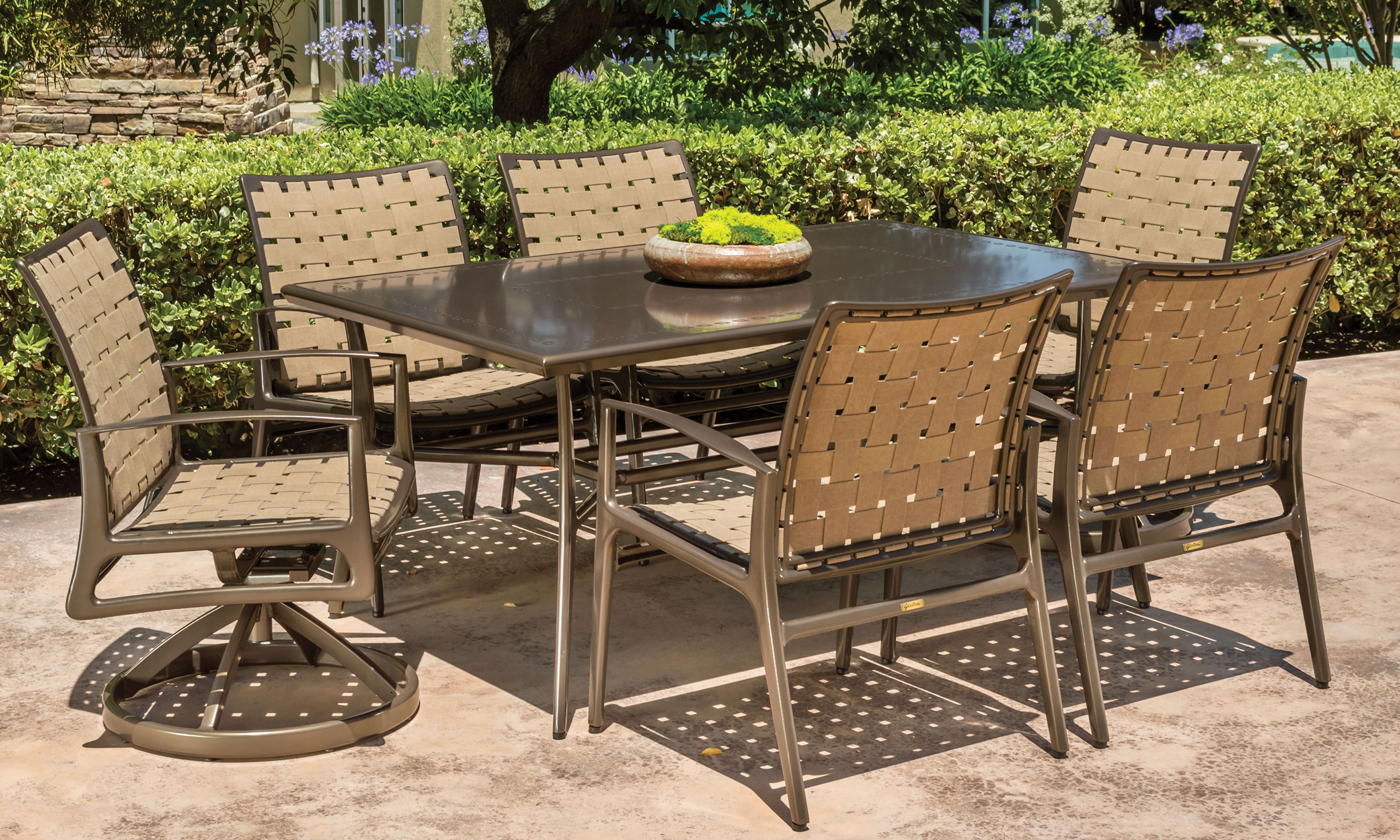 outdoor-furniture_furniture-collections_phoenix_60-l